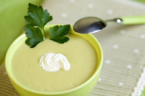 Суп-пюре из фасоли с сельдереем