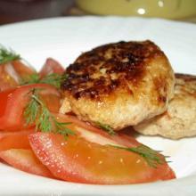 Куриные котлеты с помидорами