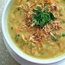 Вегетарианский суп из тыквы и чечевицы с кокосовым молоком
