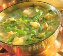 Индийский суп с картофелем и горошком