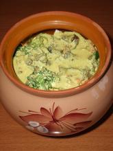 Грибы с овощами под сырным соусом в горшочке в аэрогриле