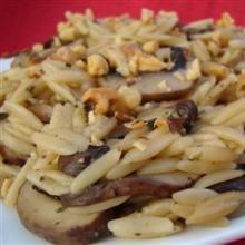 Ризотто с грибами и грецкими орехами