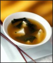 Суп мисо с водорослями вакаме и тофу