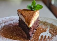 Рецепт трюфельного торта с муссом из белого шоколада