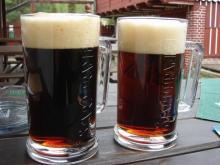 Темное шипучее пиво